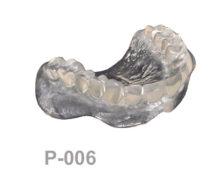 BoneModels P006 1 220x174 - P-006:Dentadura completa maxilar transparente apoyada sobre encía.